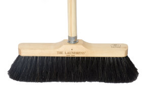 "The Laundress Rosshaar Besen ""Horse Hair Broom"""