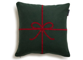 "Loden Kissenbezug bestickt ""Lexington Holiday Bow Green"" 50 x 50 cm - © Copyright: Gina Mannberg"